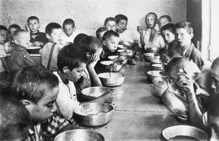 romanian-soup-kitchen-for-orphans.jpg